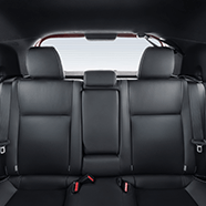 https://www.toyota.com.br/wp-content/uploads/2018/06/tyt_gallery_image_3_104702_yaris-desk_full_INTERIOR3-1_w1440h448px.png