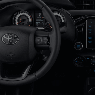 https://www.toyota.com.br/wp-content/uploads/2018/12/tyt_gallery_image_1_110429_hiluxSRX-2019-galeria-int-full-12-DSK_w1440h448px.png